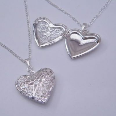 Heart Shaped Photo Locket Necklaces - Charm Style